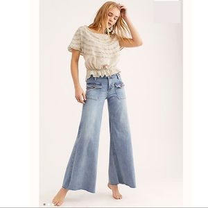New..! Free People Hailey Bell Bottom Jeans Sz 29